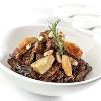 ragu-de-picanha-com-cebola-assada-e-amendoas-crocantes